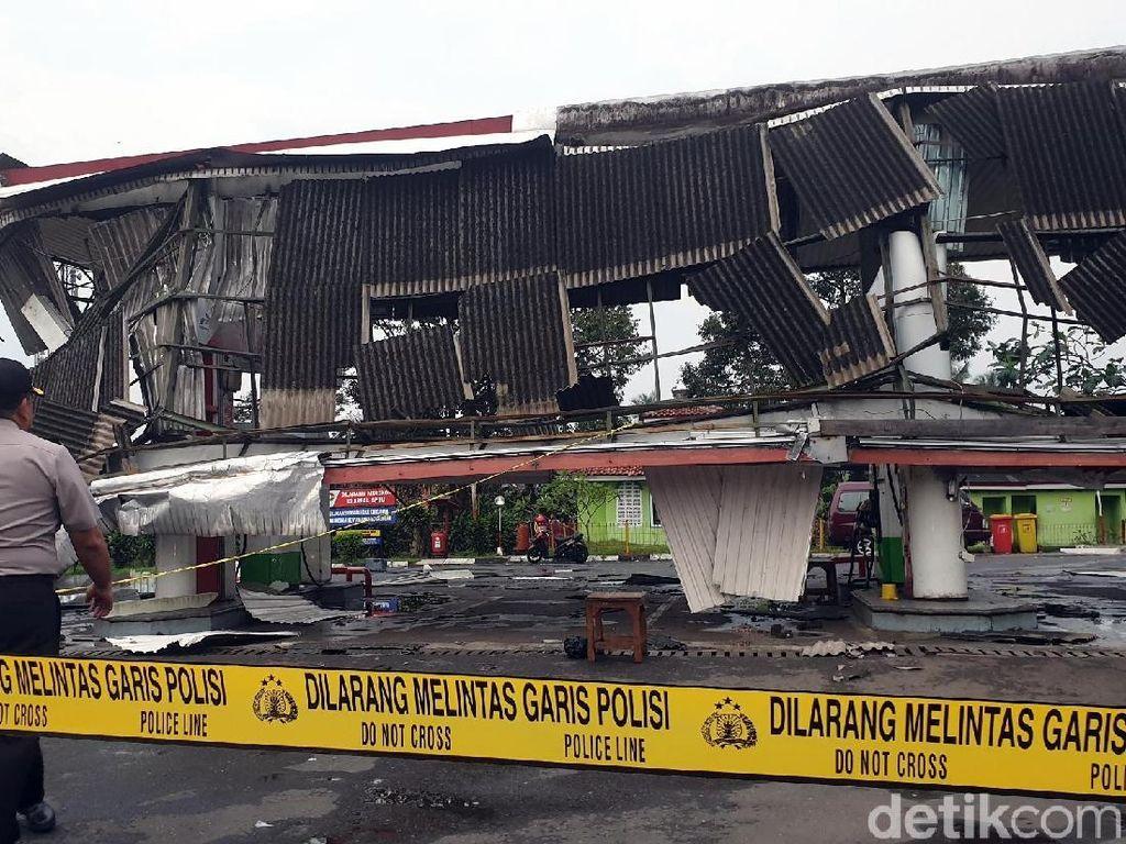 Atap SPBU Ambruk Diterjang Puting Beliung di Sukabumi