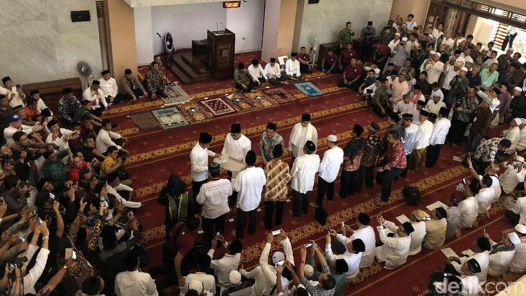 Jokowi Bagikan 351 Sertifikat Wakaf di Bintaro
