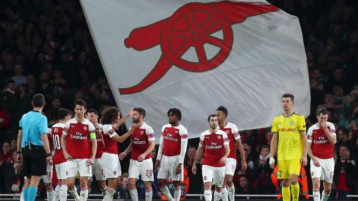 Arsenal ke 16 besar Liga Europa. (Foto: Clive Brunskill/Getty Images)