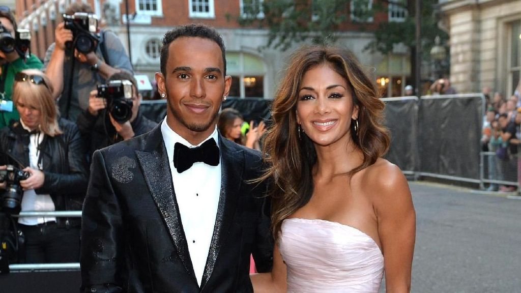 Momen Mesra Nicole Scherzinger dan Lewis Hamilton yang Video Intimnya Tersebar