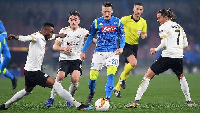 Napoli menang 2-0 atas Zurich di leg kedua babak 32 besar Liga Europa dan lolos ke 16 besar (Foto: Francesco Pecoraro/Getty Images)