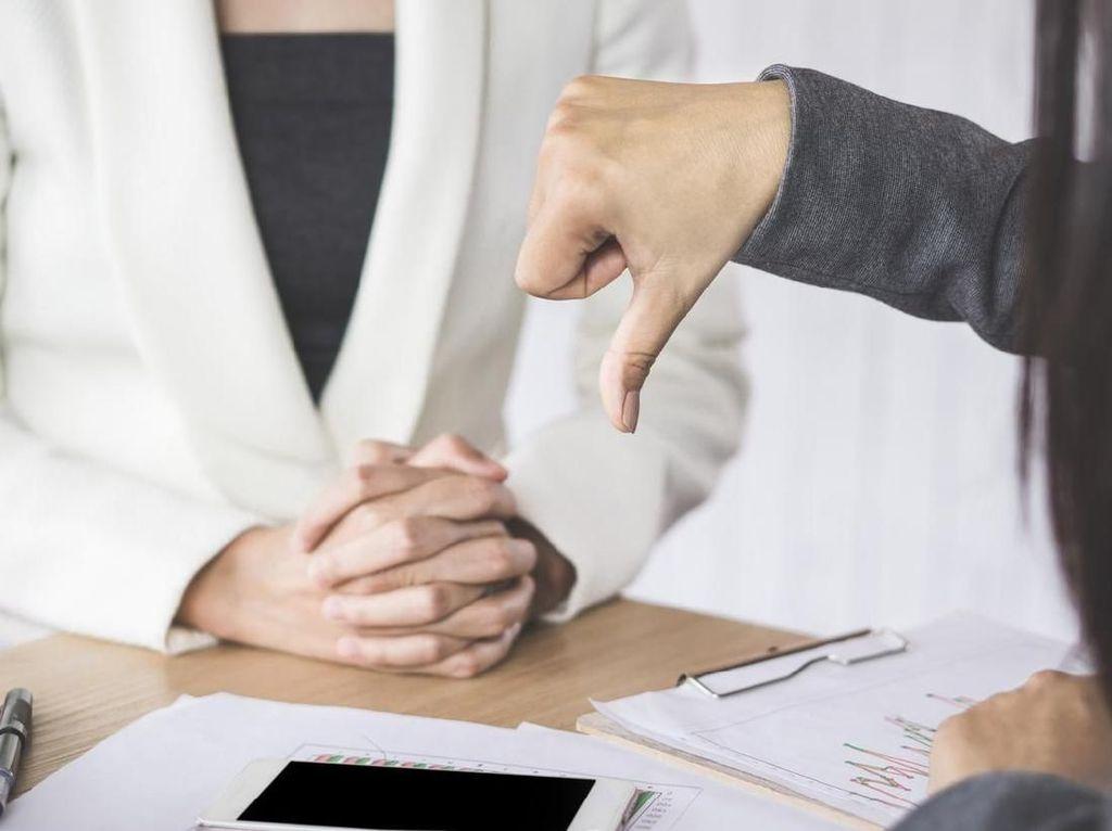 Viral Izin Sakit Ditolak Kantor, Bolehkah Tetap Masuk Kerja Saat Kena Tipes?