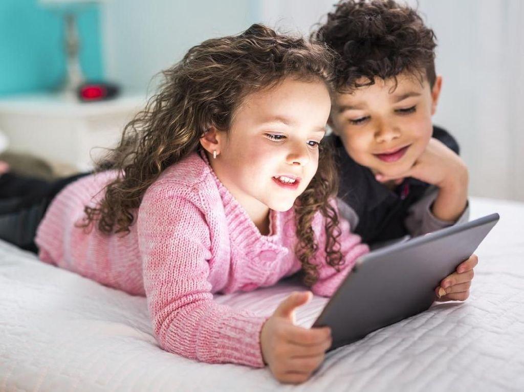 Ajari Anak Membaca Pakai Gadget Lebih Menarik, Tapi...