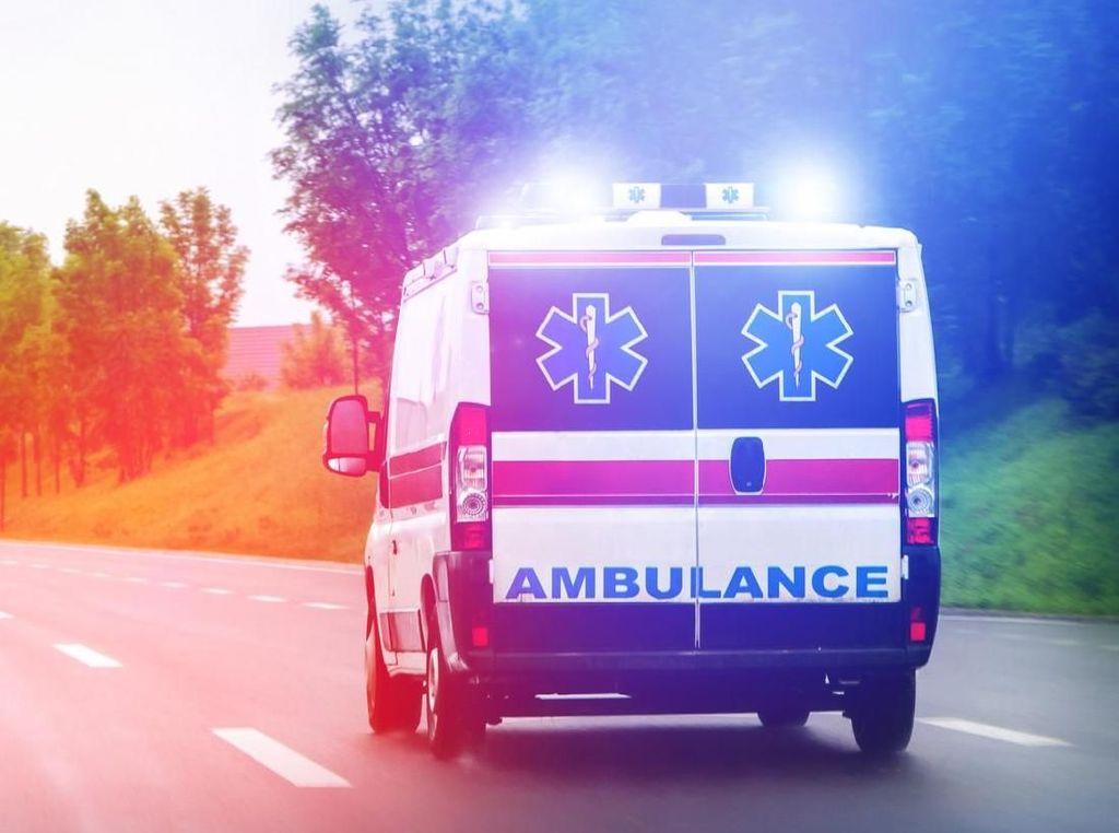 Viral Cekcok Polisi dan Sopir Ambulans Gegara Sirene, Bagaimana Aturannya?