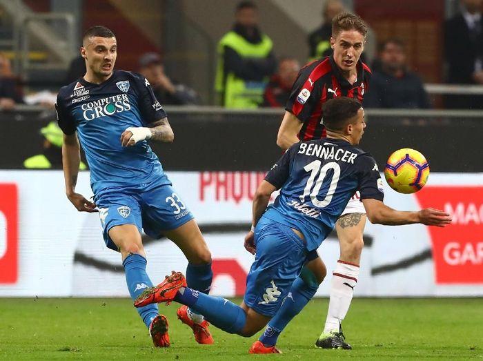 Meski menang besar di San Siro, Sabtu (23/2/2019), Milan sempat tertahan 0-0 pada babak pertama. Itulah yang membuat pelatih I Diavolo Rosso, Gennaro Gattuso, murka. (Foto: Marco Luzzani/Getty Images)