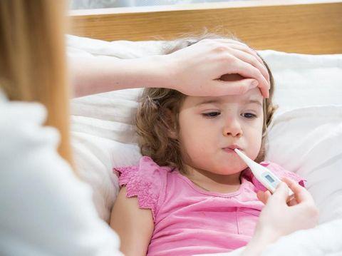 Bayi Tanpa Imunisasi Rentan Terserang Tifus?