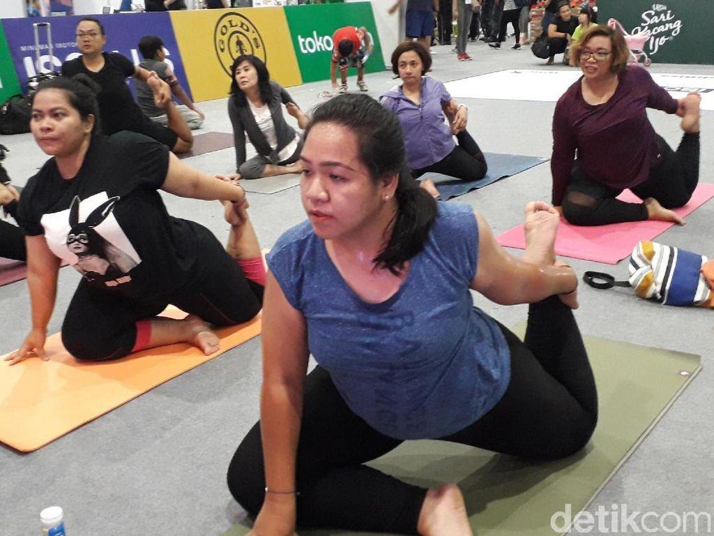 Olahraga Tak Harus Nunggu Kurus, Ini Yoga Khusus untuk Size Plus
