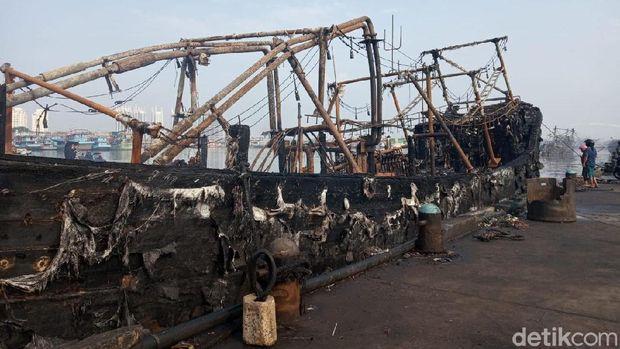 Polisi Beberkan Penyebab 34 Kapal Terbakar di Muara Baru