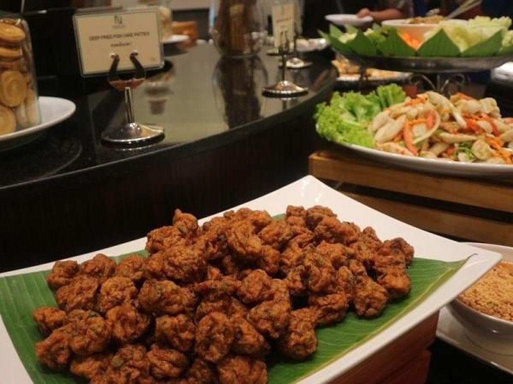 Wisata Kuliner Halal di Tengah Kota Bangkok, Bisa Banget!