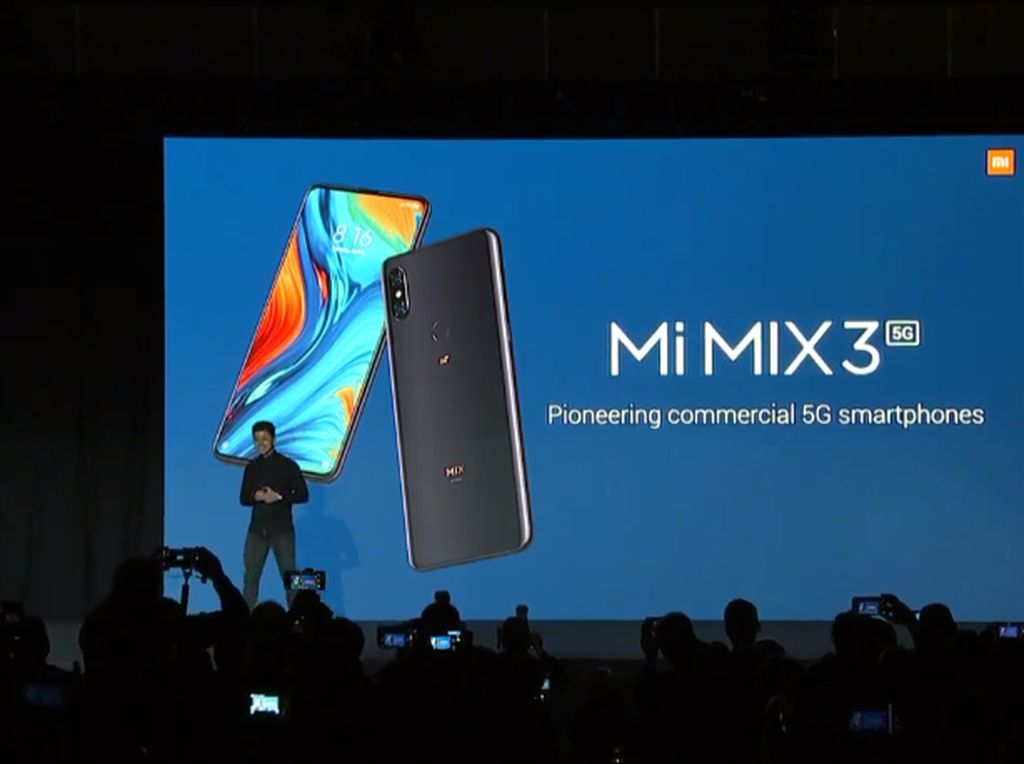 Xiaomi Mi Mix 3 5G Diumbar di Panggung MWC 2019, Termasuk Harga