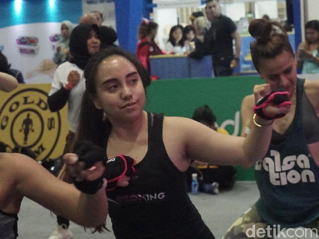 Ingin Jadiin Otot Lengan, Salmafina Sunan Olahraga 6 Jam Sehari