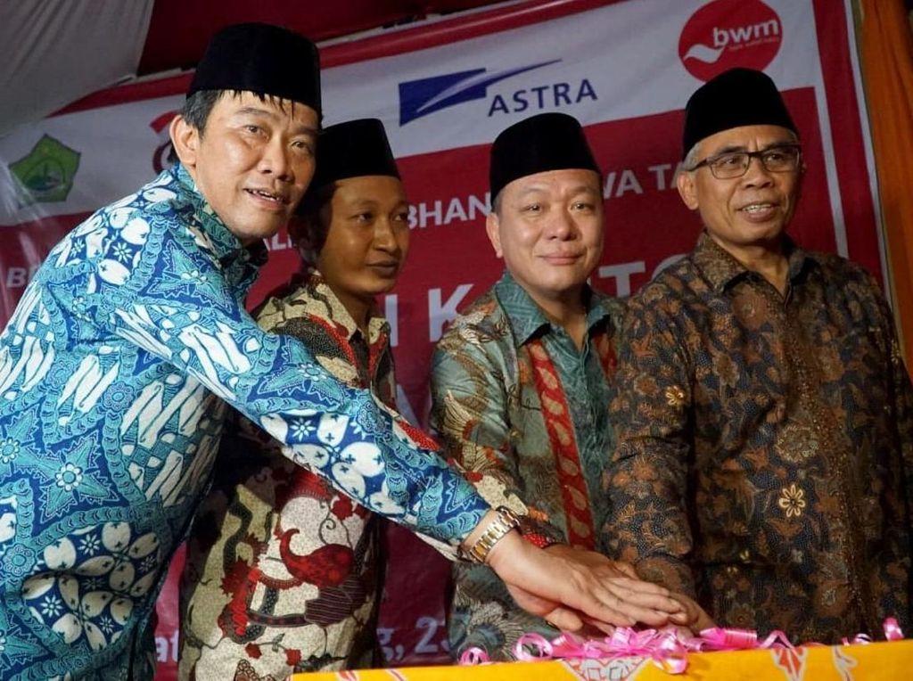 Ketua OJK Resmikan Bank Wakaf Mikro Kedua Grup Astra