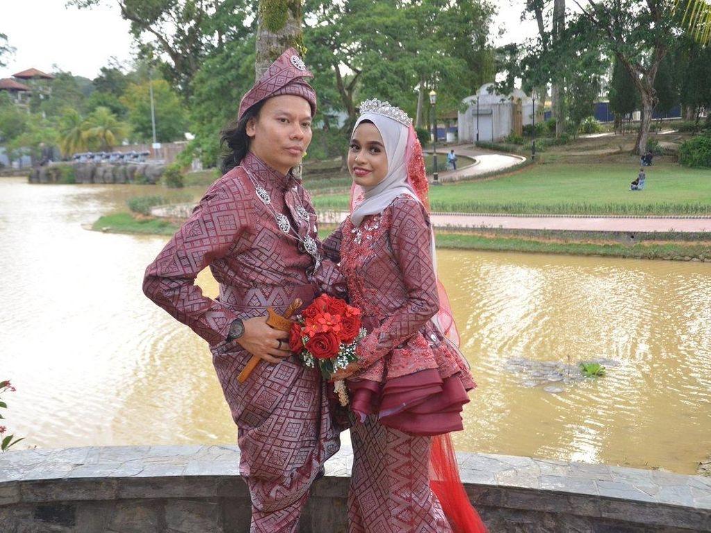 Viral, Foto Kocak Pengantin Pria yang Nggak Pernah Fokus di Foto Pernikahan