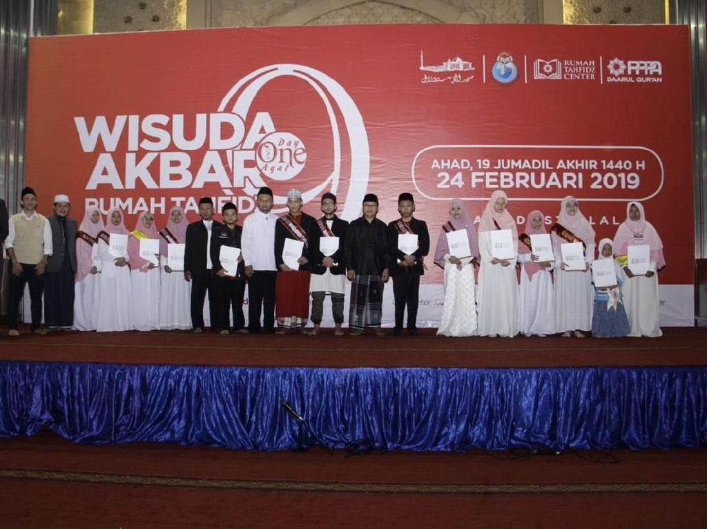 8.978 Penghafal Alquran Ikuti Wisuda Akbar Serentak di 13 Provinsi