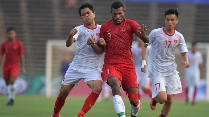 Bhayangkara FC tertarik mempertahankan Marinus Wanewar (Foto: Nyoman Budhiana/Antara Foto)
