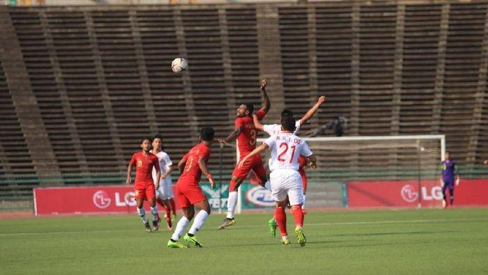 Indonesia menghadapi Vietnam di Olympic Stadium, Phnom Penh, Minggu (24/2/2019) sore WIB pada semifinal Piala AFF U-22. Indonesia lolos sebagai runner-up Grup B, sementara Vietnam merupakan juara Grup A. (Foto: Ist)