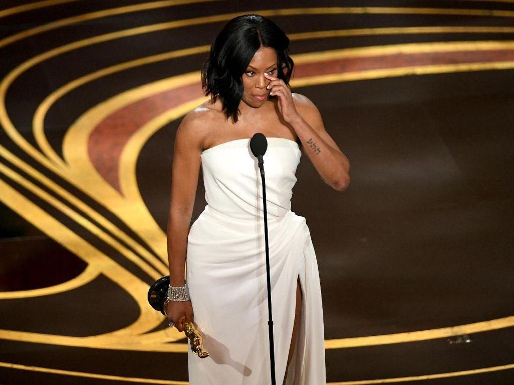 Regina King, Aktris Pemenang Oscar yang Nyaris Terinfeksi HIV