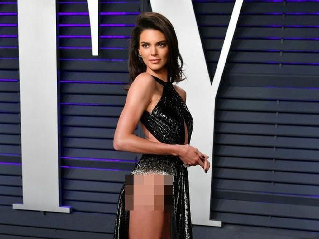 Penampilan Kendall Jenner yang Bikin Heboh