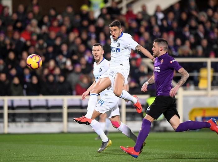 Inter Milan mencetak empat gol, yang salah satunya merupakan aksi bunuh diri. Nyaris menang di kandang Fiorentina, Nerazzurri pada akhirny dipaksa imbang 3-3.