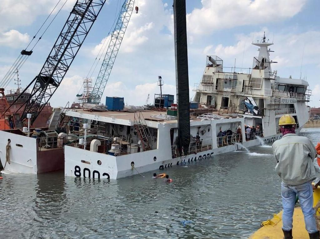Duh, Kapal Baru Bakamla Ini Nyaris Tenggelam