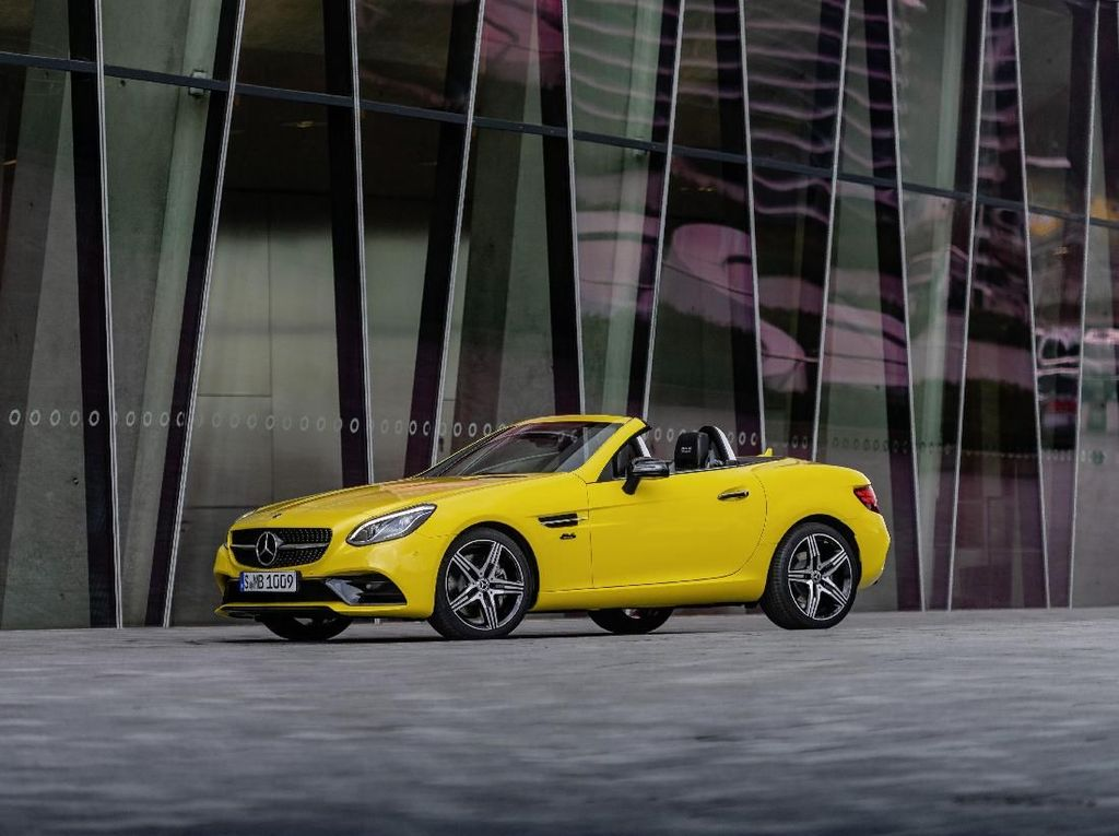 Mercedes-Benz Siapkan Edisi Terakhir si Mungil SLC