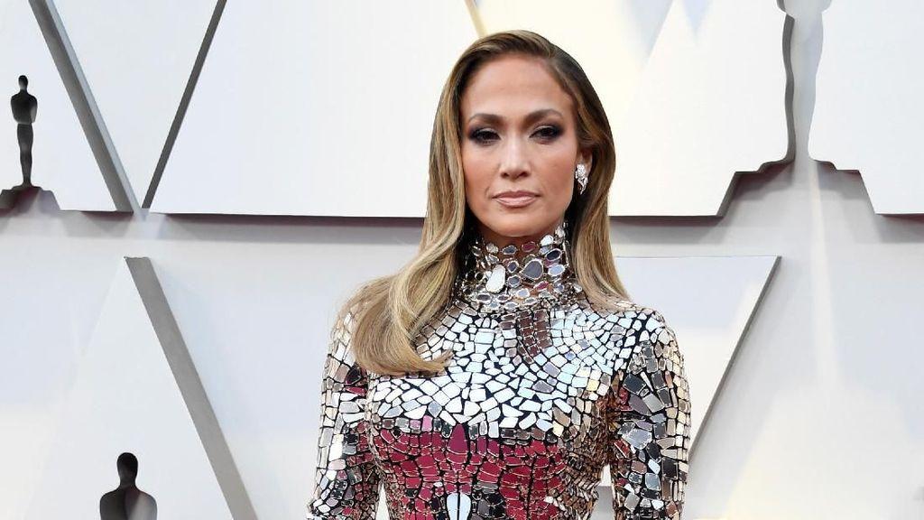 Jennifer Lopez Pernah Tunangan 5 Kali, Ini Koleksi Cincin Tunangannya