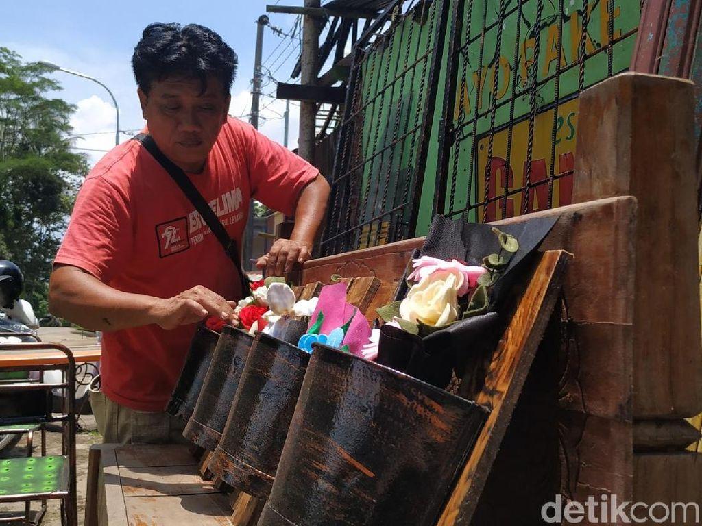 Pria Semarang Ini Sulap Rongsokan Jadi Mebel Unik