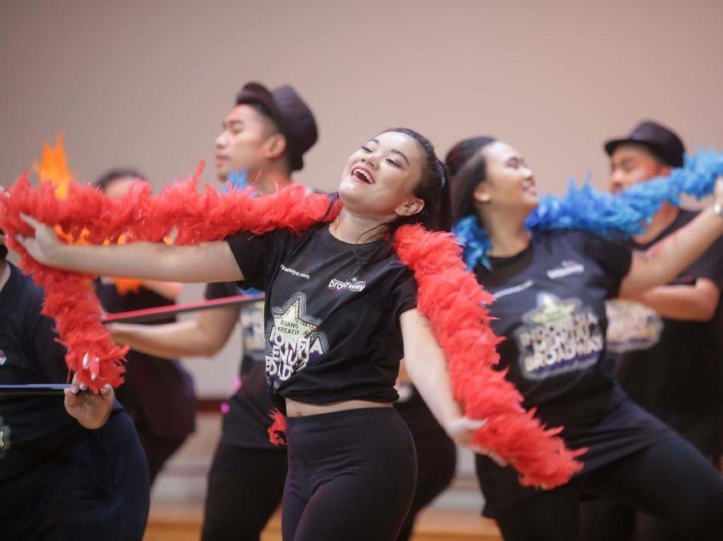 16 Seniman Muda Indonesia Menuju Broadway Melaju ke New York