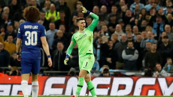 Kepa Arrizabalaga menolak diganti di laga melawan Manchester City pada final Piala Liga Inggris. (Foto: David Klein/Reuters)
