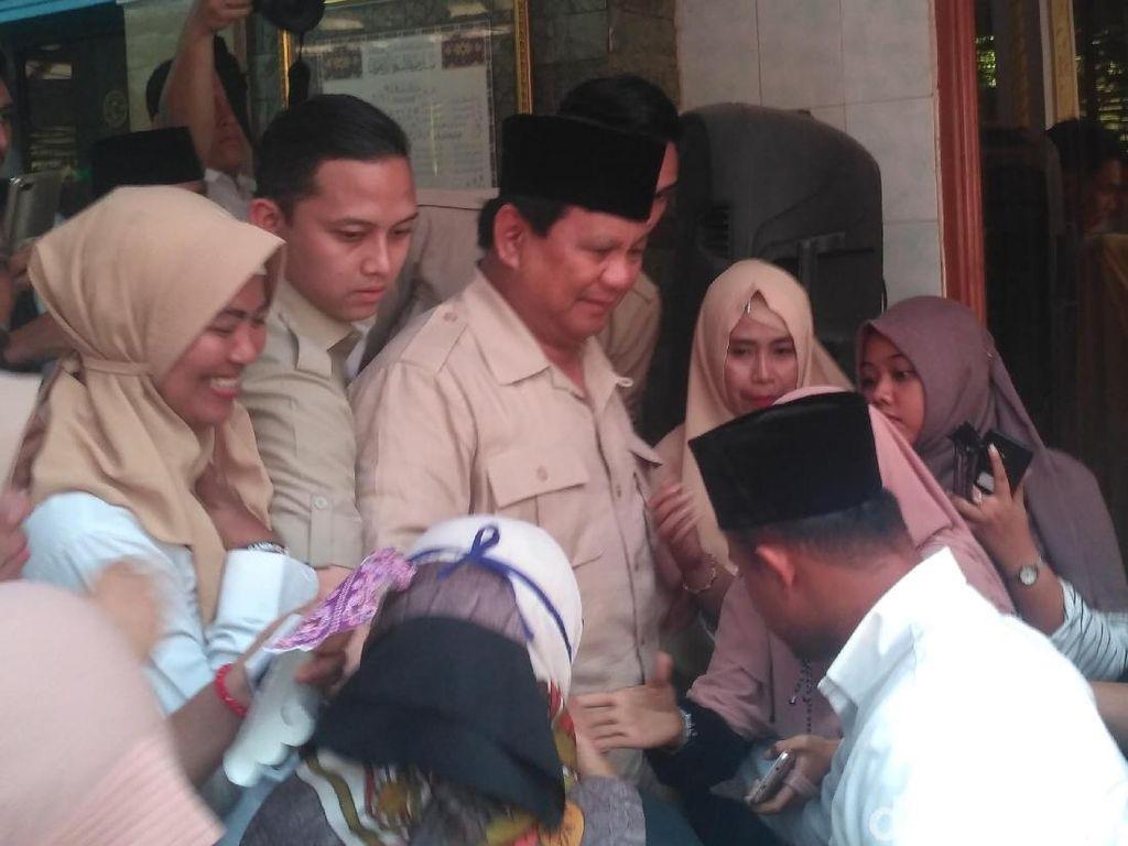 Kunjungi Pesantren di Situbondo, Prabowo Tidak Bahas Pilpres