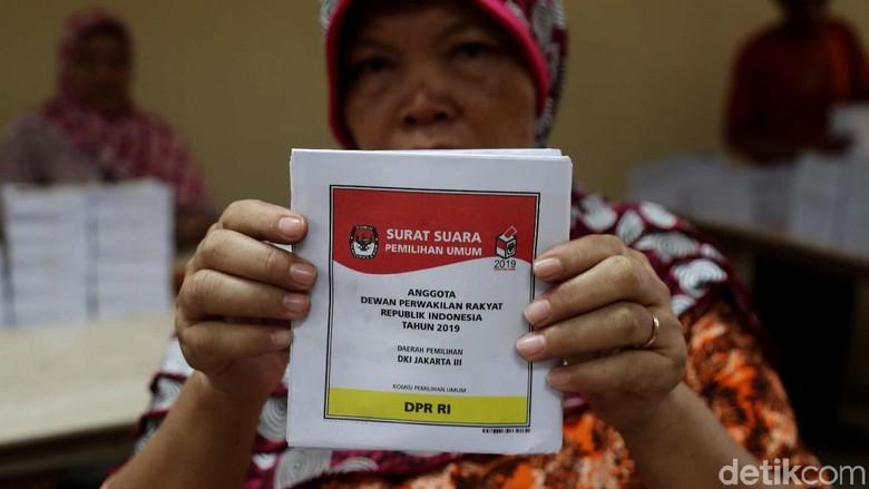 Panwaslu Laporkan Surat Suara Mayoritas Tercoblos 01 di Selangor Malaysia
