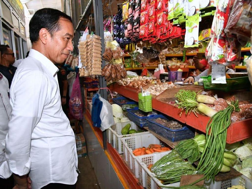 Geramnya Jokowi Gegara Kampanye Hitam Larangan Azan