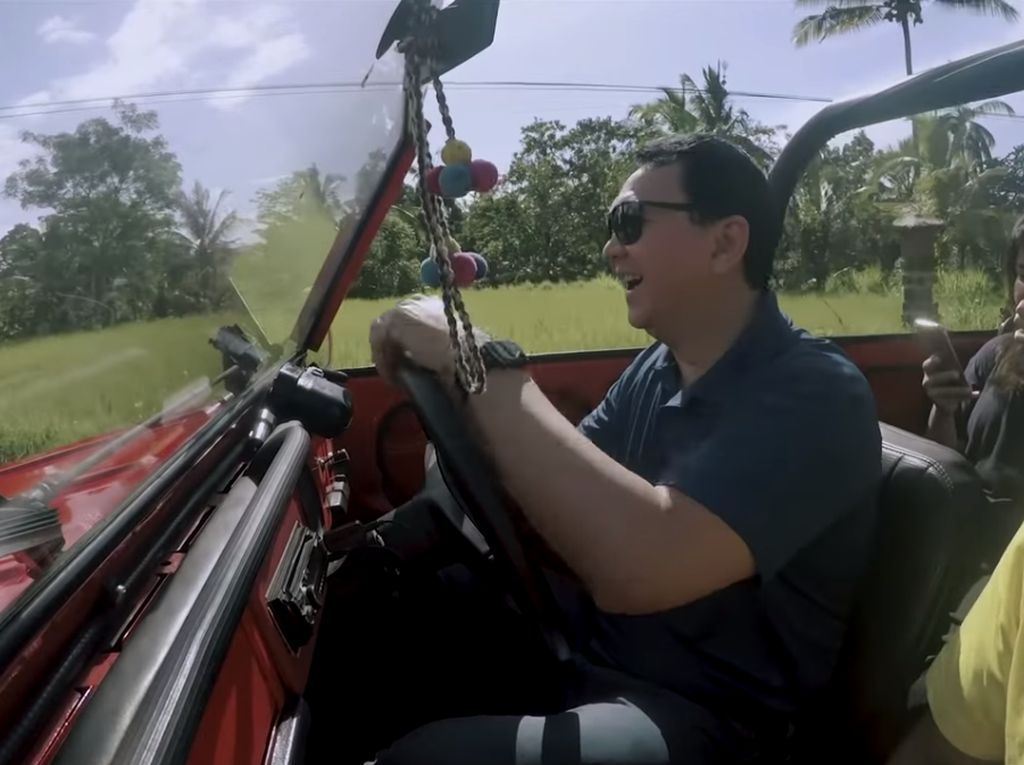 Ketika Ahok Keliling Bali Naik Mobil Pak Camat