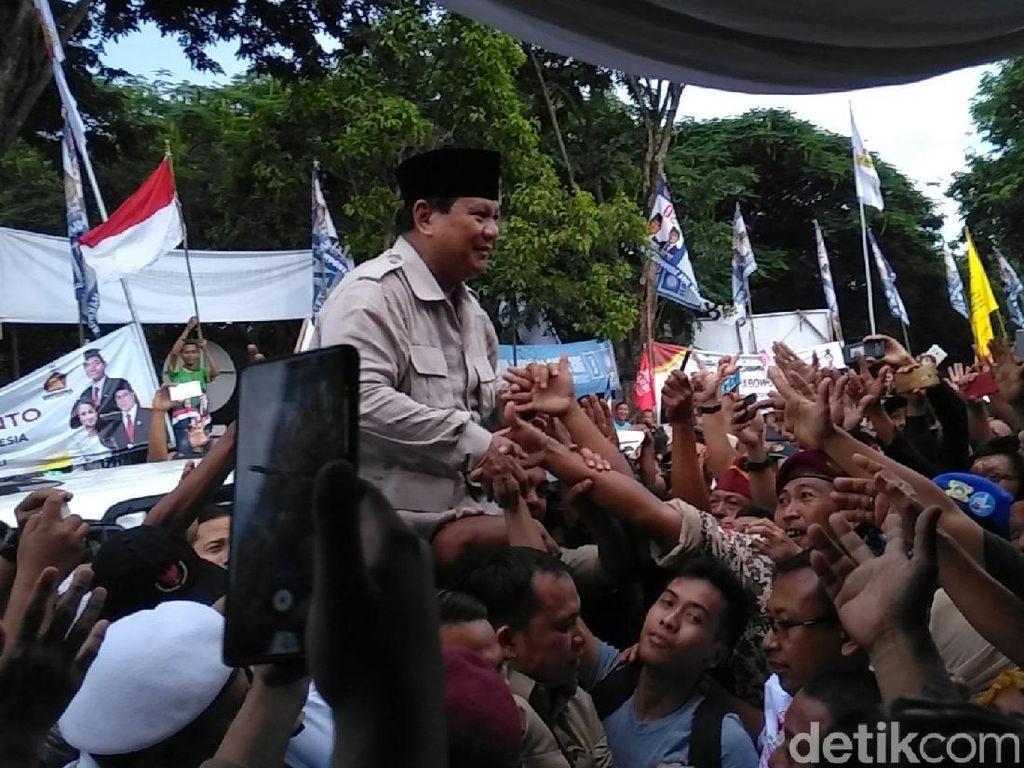 Teriakan Prabowo Presiden Menggema di Gresik