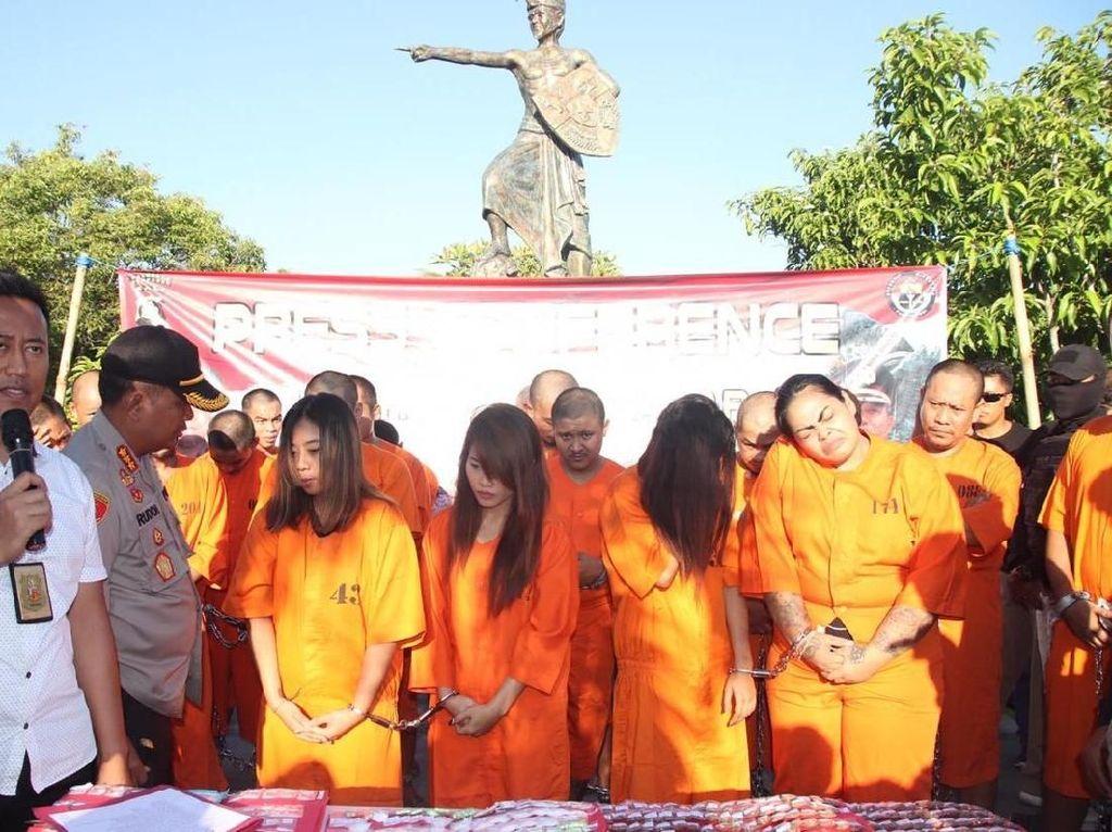 Ini Alasan Polisi Pamerkan Belasan Bandar Narkoba di CFD Denpasar