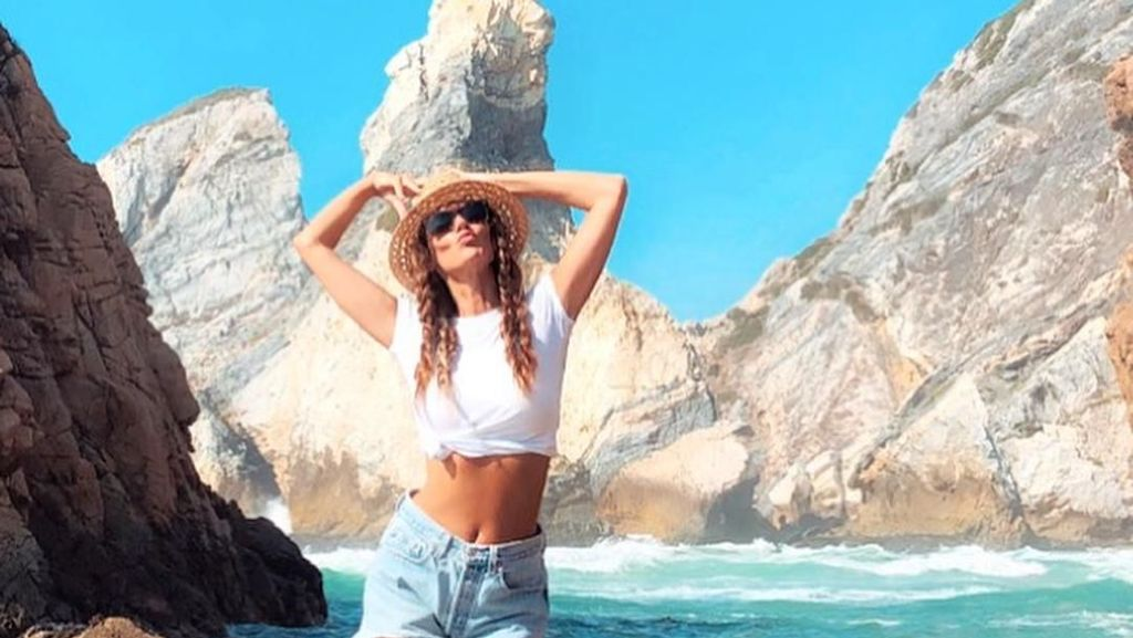 Foto: Liburannya Supermodel Turki, Tulin Sahin