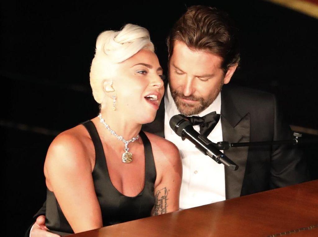 Lady Gaga Buka Suara soal Kabar Pacaran dengan Bradley Cooper