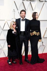 Gloria Campano, Bradley Cooper, dan Iriana Shayk