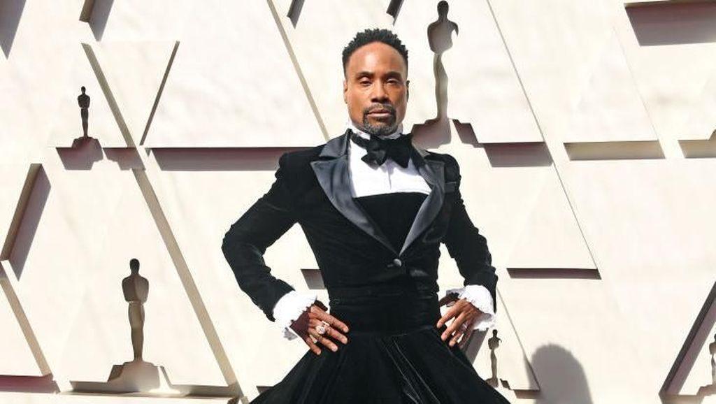 Foto: Gaya Glamor Pria Pakai Gaun di Oscars 2019 yang Jadi Kontroversi