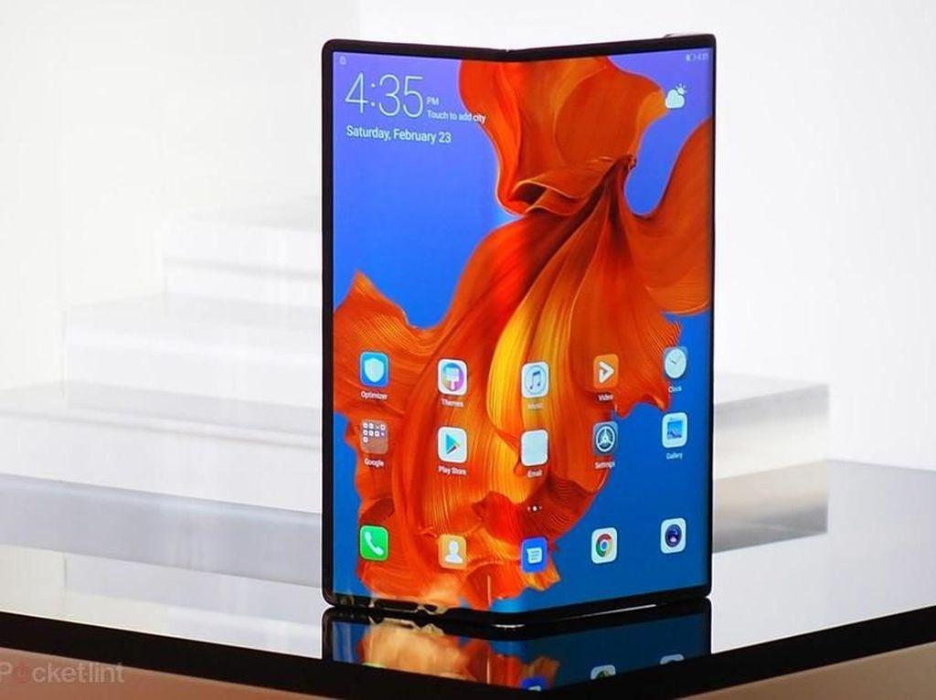 Ponsel Layar Lipat Diprediksi Ancam Gadget Ini