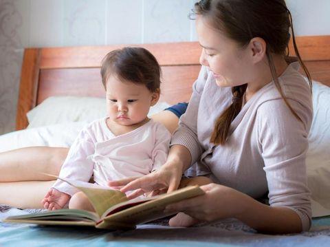 Hindari 5 Kesalahan Orangtua Saat Mengajari Anak Membaca