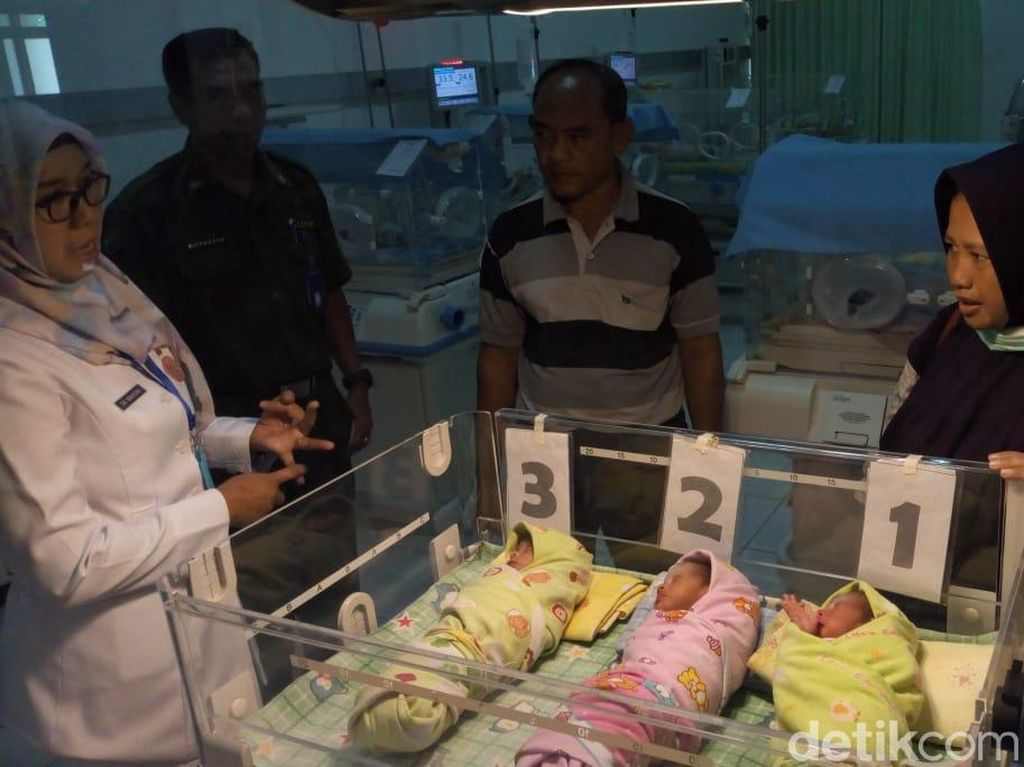 Anugerah di Usia 41 Tahun, Ibu di Ponorogo Lahirkan Bayi Kembar 3