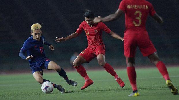 Timnas Indonesia U-22 lebih dulu tertinggal 0-1.