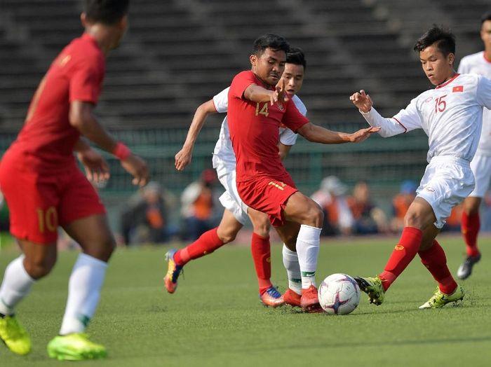 Timnas Indonesia saat berhadapan dengan Vietnam di Piala AFF U-22 2019. (Foto: Nyoman Budhiana/AntaraFoto)