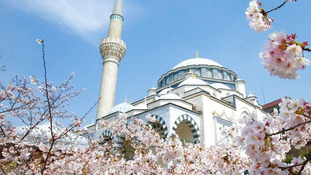 Foto: Masjid Terindah di Jepang Tempat Pernikahan Syahrini