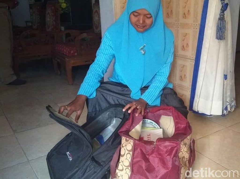 Intip Isi Tas Warga Lereng Merapi yang Bisa Langsung Dibawa Saat Darurat
