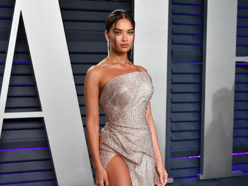 Kendall Jenner Tanpa Underwear, 8 Seleb Ini Juga Super Seksi di Pesta Oscars