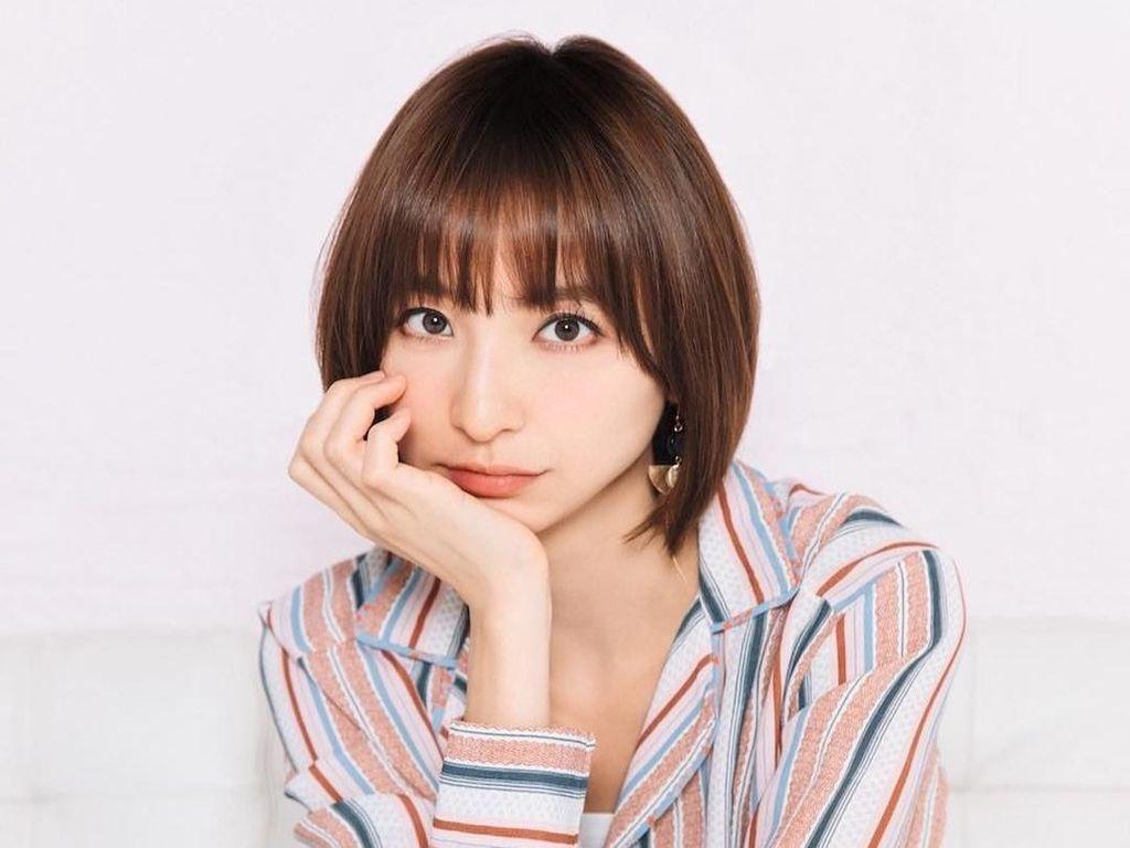 Artis Jepang Eks Personel AKB48 Ini Jadi Sensasi karena Nikah Tanpa Pacaran