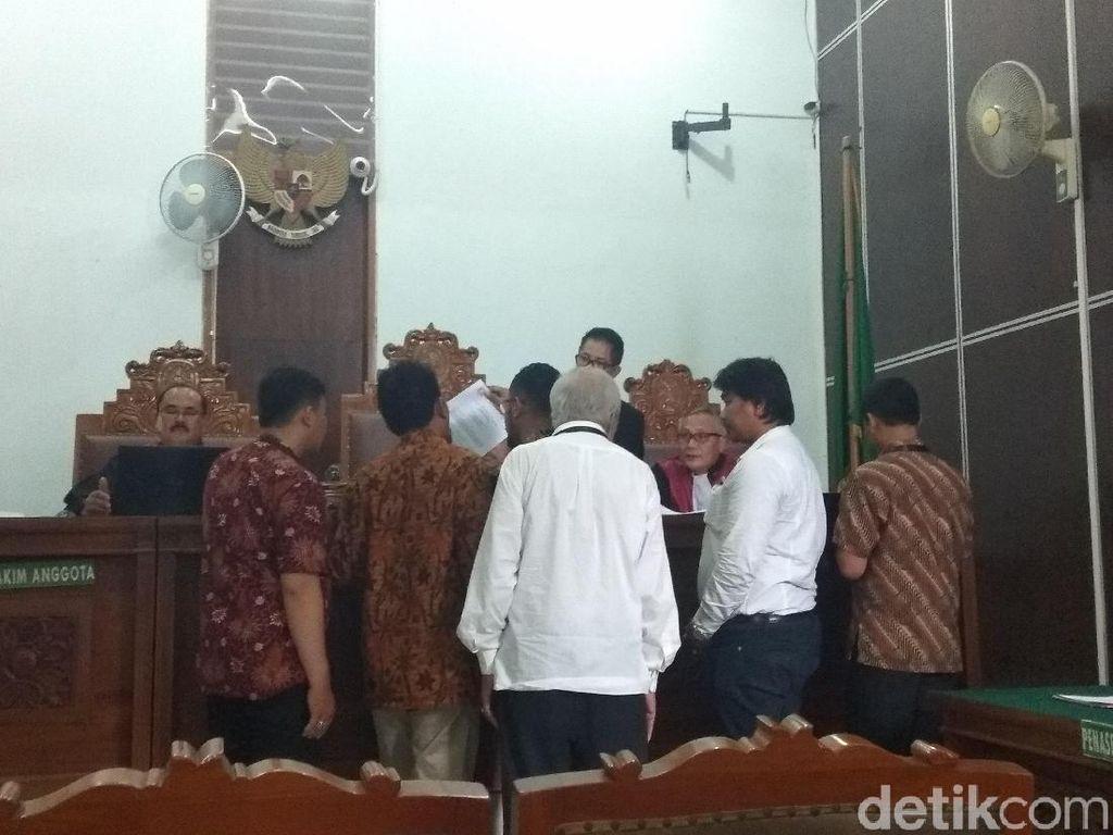 Video: Panas! Sidang Gugatan Prabowo soal Selang Darah RSCM