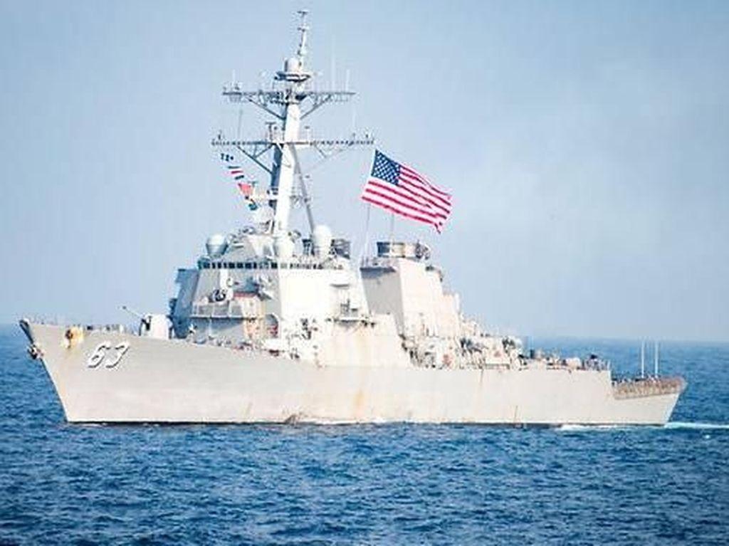 2 Kapal Militer AS Berlayar di Selat Taiwan, China Marah